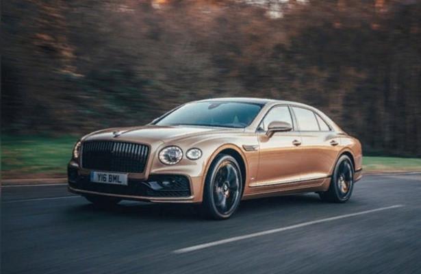 ВBentley рассказали одвигателе Bentley Flying Spur