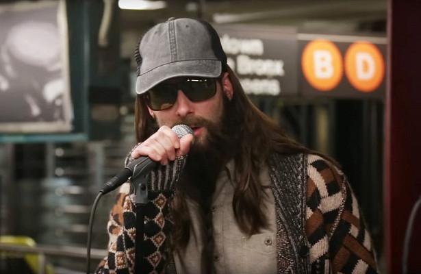 Адам Левин далконцерт внью-йоркском метро