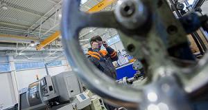 Промышленность прощается с персоналом в ожидании роботов