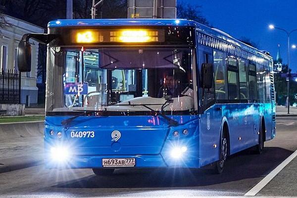 Столичных водителей призвали пересесть наобщественный транспорт