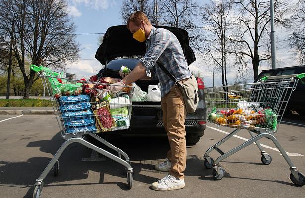 Пандемия заставила россиян рекордно потратиться