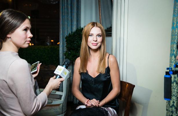 Светская Москва напоэтическом вечере Катарины Cултановой