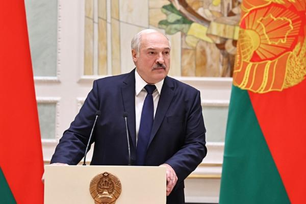 Лукашенко заявил оготовности помочь Польше иРоссии вборьбе скоронавирусом