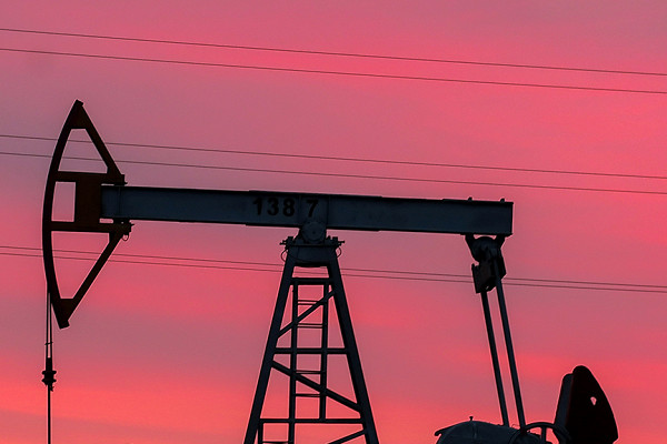 Рынок акций РФ улетел на исторический максимум вслед за ценами на нефть, газ и металлы
