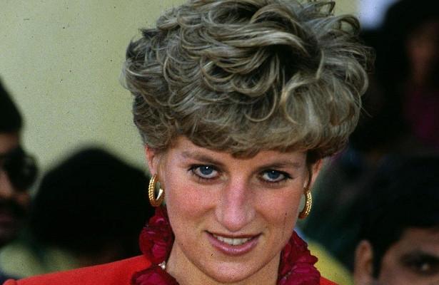 Поклонники сериала «Корона» скупают наeBay… волосы принцессы Дианы