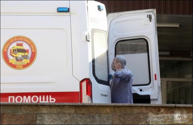 ВПетербурге засутки положили вбольницы более 800человек