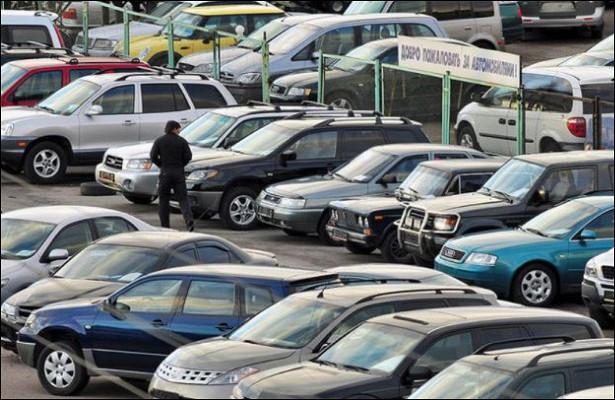 Названа средняя цена подержанного автомобиля