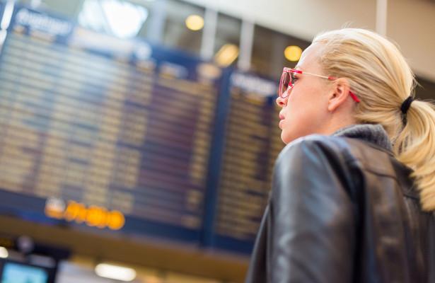 Ваэропортах Москвы из-заснега задержали иотменили более 30рейсов