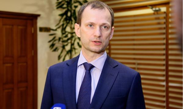 Глава Ямала увеличил нагрузку своему заместителю Сергею Карасеву