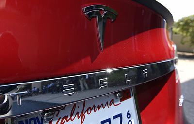Как автопилот спас жизнь шоферу — Реабилитация Tesla