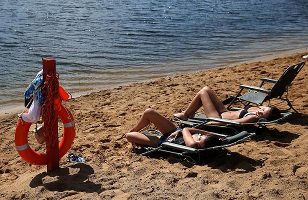Невыездные: какроссияне проведут лето